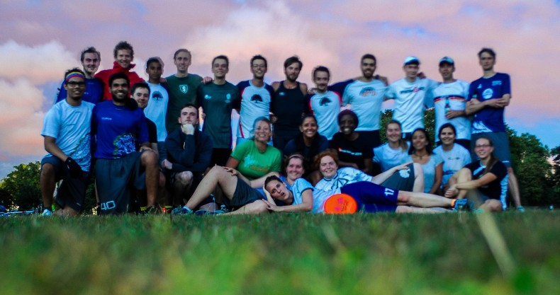 A beautiful sunset and moonrise greeted the players of the Clissold Cup in Hackney's no.1 frisbee venue!